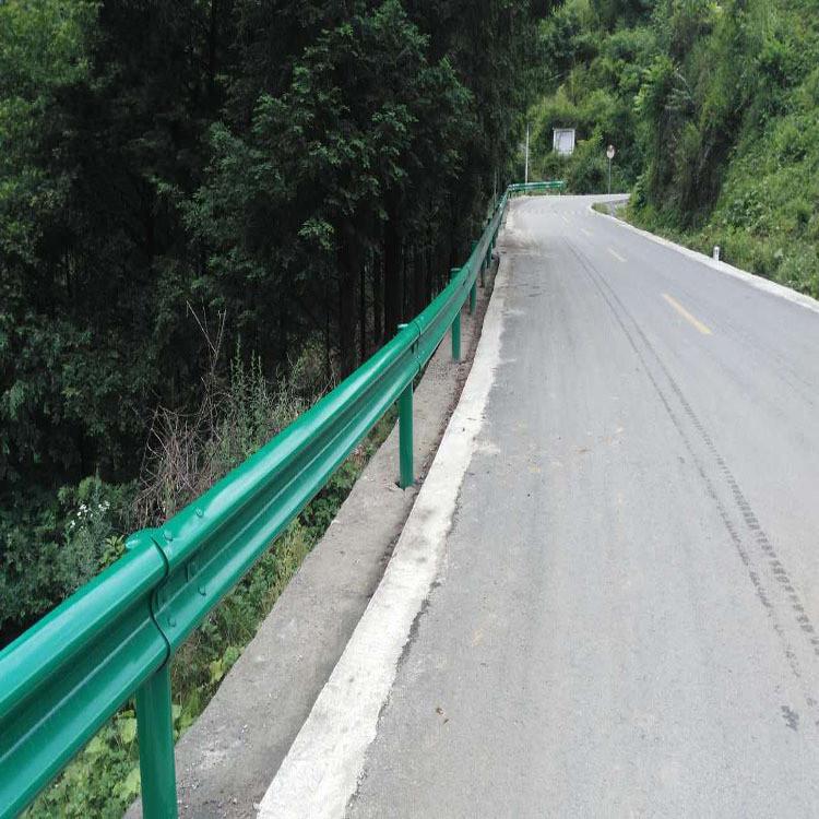 乡道波形护栏