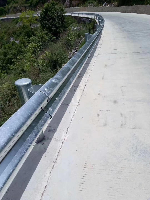 波形护栏与市政护栏的材质特点——广西星沃