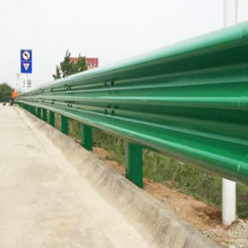 三波喷塑护栏板